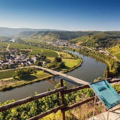 Klettersteig-Thoernischer_Ritsch-Moselhotel-Sonnenuhr-tonimedia-2372-1800px