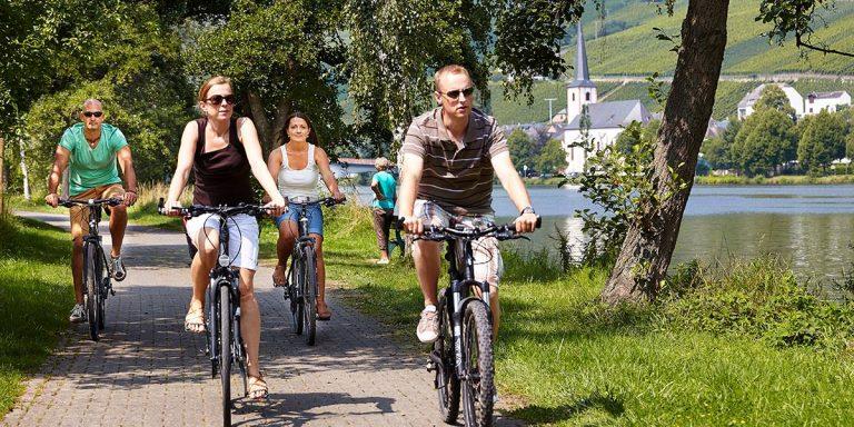Radfahren und Übernachtung an der Mosel